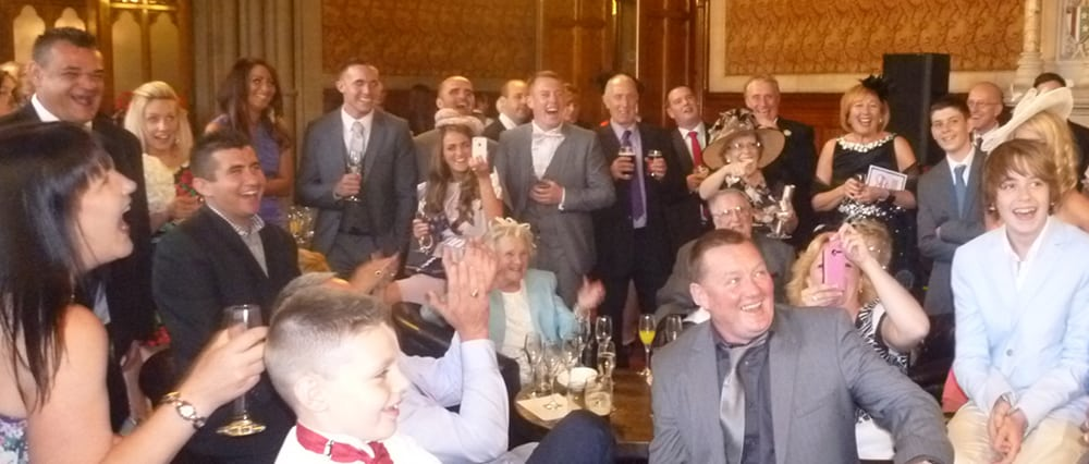 Wedding Day Magic at Manchester Town hall. Magician & pickpocket.